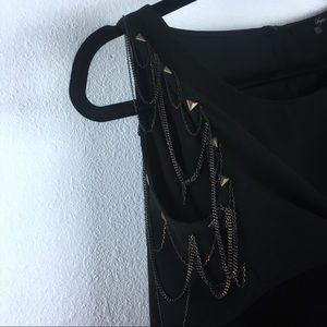 Cold Shoulder With Chains Black Top Size XS